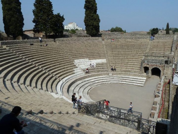 POMPEII THEATRUM MUNDI, the return to the ancient theatre